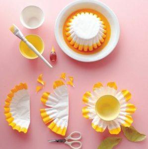 fleur jaune moule en papier